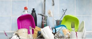 3 Reasons Why You Shouldn't Clean Your Dishes Yourself