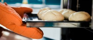 5 Expert Tips to Save Energy While Baking