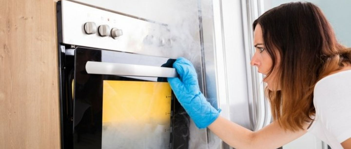 7 Things You Should Never Put Inside Your Microwave